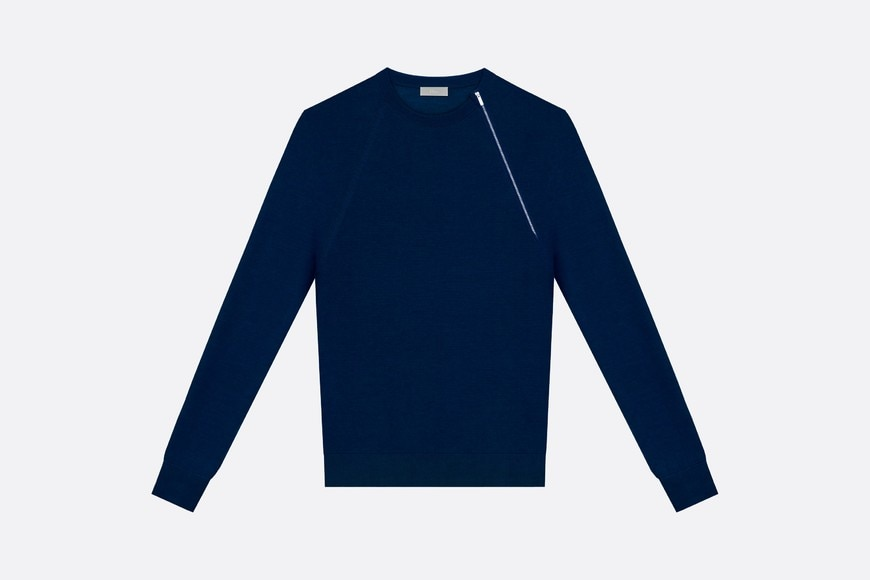 Round neck sweater, zip at the shoulder, blue wool front view