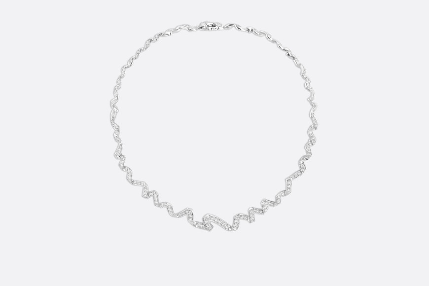 Collier Archi Dior « Diorama » , or blanc 750/1000e et diamants Vue de face