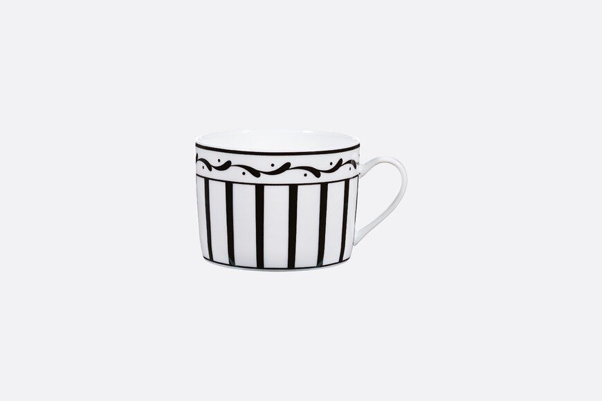 Black and white striped tea cup aria_frontView
