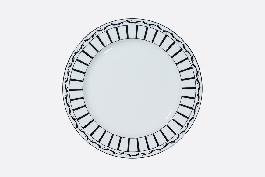Black and white striped presentation plate aria_frontView