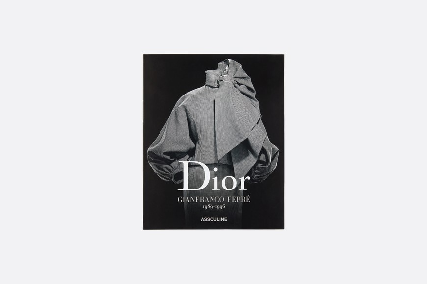 Book: Dior - Gianfranco Ferré Front view Open gallery