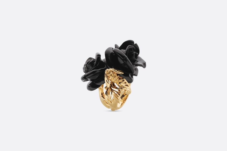 Rose Dior Pré Catelan ring, large model, in 18k yellow gold and onyx aria_threeQuarterOpenedView