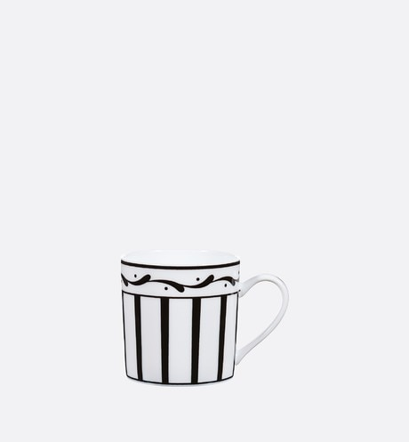 Black and white striped coffee cup aria_frontView