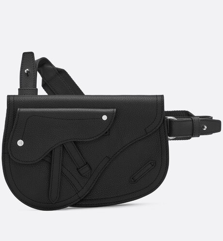 Saddle messenger bag in black calfskin Black front view