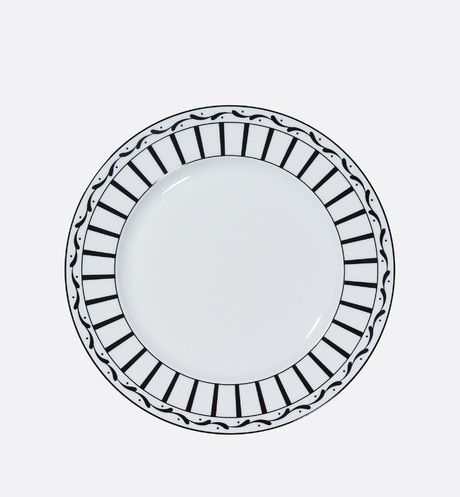 Black and white striped dinner plate aria_frontView