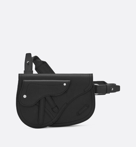 Saddle messenger bag in black calfskin aria_frontView