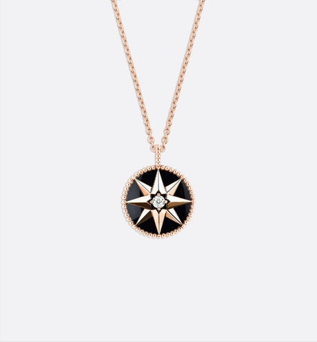 Rose des vents medallion necklace, 18k pink gold, diamond and onyx front view
