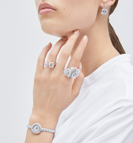 Rose Dior Bagatelle ring in 18k white gold and diamonds aria_detailedView 2