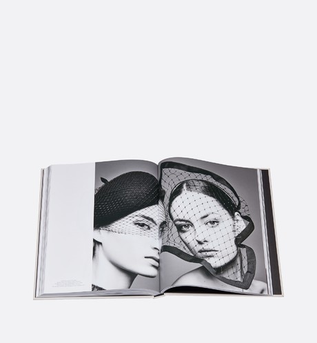 Libro: Dior Hats - From Christian Dior to Stephen Jones aria_detailedView aria_openGallery