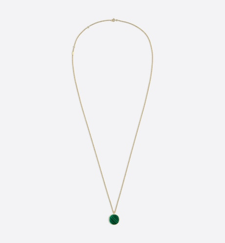 Rose des vents medallion necklace, 18k yellow gold, diamond and malachite profile view