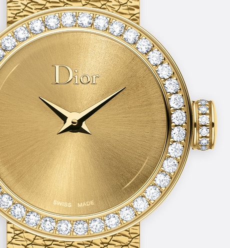 La D de Dior Mini Satine ø 19 mm, quartz movement aria_threeQuarterClosedView