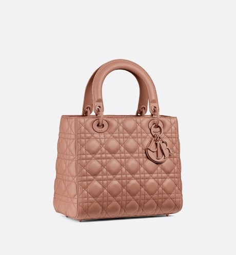 Lady Dior ultra-matte medium bag aria_threeQuarterClosedView