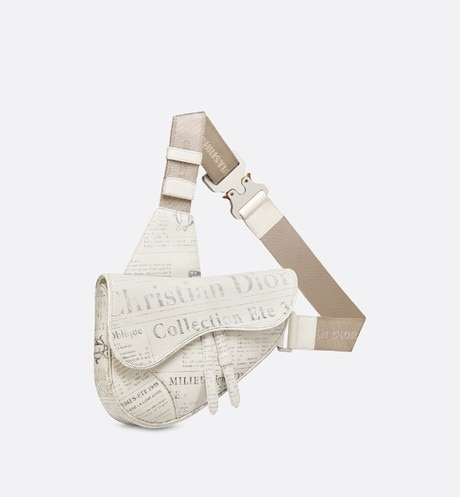 Borsa Saddle DIOR AND DANIEL ARSHAM in pelle di vitello bianca con stampa Newspaper aria_threeQuarterClosedView