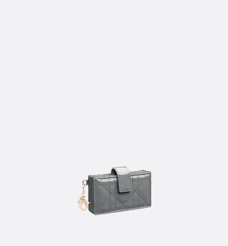 Porte-cartes à goussets Lady Dior Vue de 3/4 zoomée