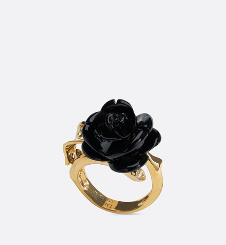 Rose Dior Pré Catelan ring, small model, in 18k yellow gold and onyx three quarter opened view