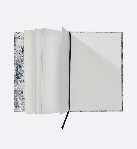 Toile de Jouy notebook aria_topShotView