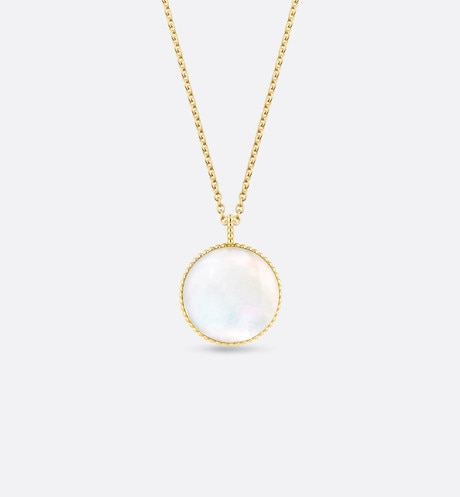 Rose des vents medallion necklace, 18k yellow gold, diamond and mother-of-pearl aria_topShotView