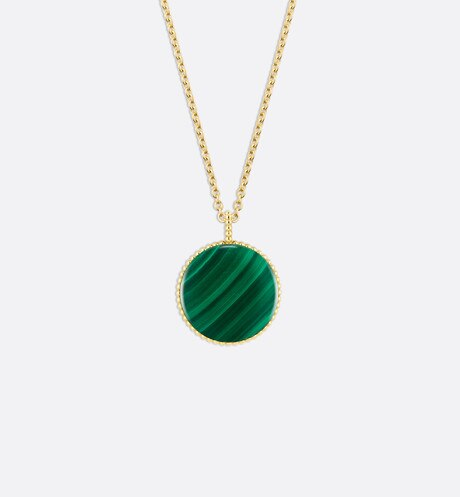 Rose des vents medallion necklace, 18k yellow gold, diamond and malachite detailed view